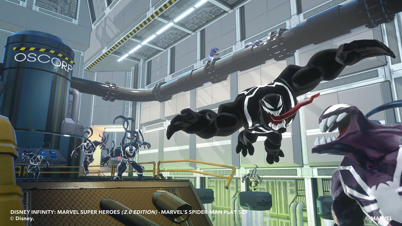 Intra in posesia setului de figurine Marvel